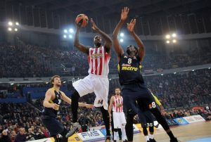 patric-young-olympiacos-piraeus-eb16